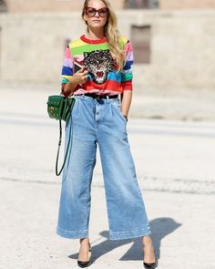 I Hate Christmas Jumpers, But I Love These 4 Statement Knits pantacourt outfit summer Denim Culottes Outfits, Outfit Jeans, Jean Outfits, Culottes Street Style, How To Wear Culottes, Fashion Mode, Look Fashion, Denim Fashion, Fashion Outfits