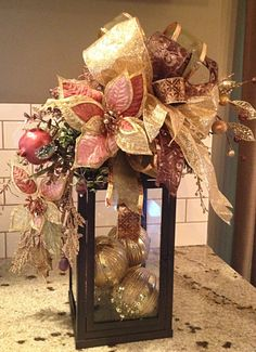 29 Inspiring Rustic Christmas Lantern Ideas for Your Porch Decoration : Page 2 of 27 : Creative Vision Design Rose Gold Christmas Decorations, Christmas Flower Arrangements, Christmas Lanterns, Christmas Swags, Christmas Centerpieces, Rustic Christmas, Xmas Decorations, Christmas Holidays, Etsy Christmas
