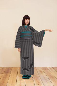 Kimono + cats, what a gorgeous combination