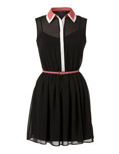 Este vestido negro de corte camisero con detalles a contraste en color coral y blanco ha resultado uno de los grandes éxitos de Primark.