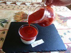 Coulis de fraise, j ai remplacé le sucre par de l'édulcorant de table liquide . Un régal!!!!