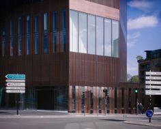 Lille Offices / LAN Architecture kantoren gevel materialisatie koper compositie toren inplanting