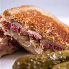 Reuben Sandwich II - These sandwiches are really delicious and easy to make. They are one of my family's fix-it-quick favorites. I like to serve them with big bowls of steaming vegetable soup and dill pickles on the side. Reuben Sandwich, Grilled Sandwich, Soup And Sandwich, Sandwich Board, Sandwich Ideas, Alton Brown, Sauerkraut, Antipasto, Tapas