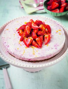 Oh. MY!Ilove this!!!I used to make my cheesecake base with shop-bought biscuits, but they all contain loads of refined sugar,