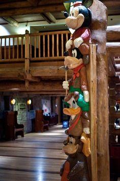 Characters sneak into the theming at Disney's Wilderness Lodge. Disney Resorts -- Character Totem at Wilderness Lodge Resorts Da Disney, Disney World Hotels, Disney World Magic Kingdom, Disney Parks, Walt Disney World, Disney Vacation Club, Disney Vacation Planning, Disney Vacations, Wilderness Resort