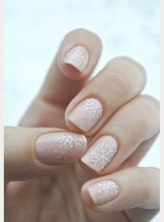 10 Winter Nails for the Bride