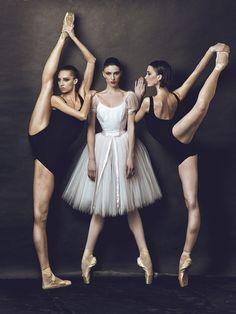 randombeautysls:  balanceandperfection:  Pure ballet blog!  randombeautysls: such a great image. does anyone have the photo credits?