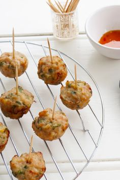 "Thai Chicken Balls by Dot Vajda - ""What a fantastic recipe! I have made these a few times now & everyone loves them. I make ours as a main meal & serve with a mango & avocado salad with a spicy Thai dressing. Savoury Finger Food, Savory Snacks, Finger Foods, Healthy Snacks, Mince Recipes, Tea Recipes, Appetizer Recipes, Cooking Recipes, Mini Appetizers"