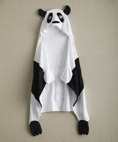 This towel keeps party animals cuddly and dry. Appliqu and 3-D details call to mind their favorite critter --not to mention the mittens that tip the two paws.