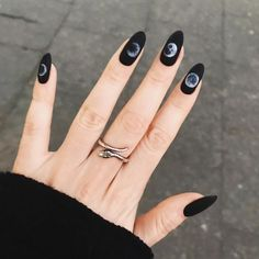 The advantage of the gel is that it allows you to enjoy your French manicure for a long time. There are four different ways to make a French manicure on gel nails. Rose Gold Nails, Matte Nails, Stiletto Nails, Coffin Nails, Acrylic Nails, 3d Nails, Nail Nail, Solid Color Nails, Nail Colors