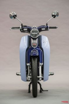 初代のテイスト満載! スーパーカブC125はプレミアム・ミニだ | WEBヤングマシン Honda Cub, Monkey Business, Custom Bikes, Motorbikes, Cubs, Pop Culture, Motorcycle, Cool Stuff, Vehicles