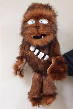 ¡Marioneta de aduana de 100%! ¡Hecho a mano en mi propio estilo muppet loco! ¡Búscate un títere oso acorazado! ¡Diseñado en el estilo de wookie favorito de todos! Esto es una marioneta de mano profesional y no un juguete. Esta marioneta tiene una placa de boca haya con las Puppet Training, Custom Puppets, Puppets For Kids, Sock Puppets, It's Going Down, Weaving, Teddy Bear, Parenting, Dolls