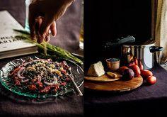 Lentejas con tomates secos, queso y hierbas