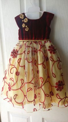 Venus dress makers Frock Patterns, Kids Dress Patterns, Kids Dress Wear, Kids Gown, Baby Frocks Designs, Kids Frocks Design, Baby Girl Party Dresses, Little Girl Dresses, Kids Blouse Designs
