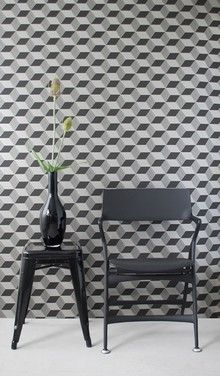 Black and white graphic wallpaper! I really like that shape of vase also