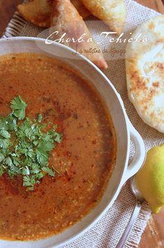 Cette Chorba tunisienne à la semoule d'orge tchicha est une soupe très populaire chez nos voisins tunisiens au Ramadan. Avec ou sans viande, cette chorba