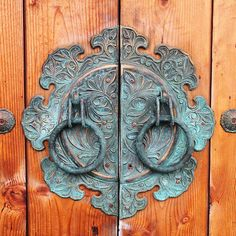 Detail view of brass door Handle in Jeonju. #PhotojournalismKorea #KoreanDesign