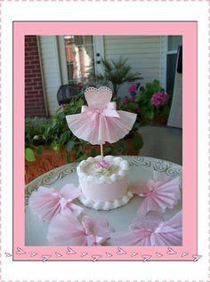 Love the cake and the topper. Perfect for a ballerina (ballet) themed party.