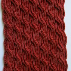 Knit Scarf Pattern:  Brioche Cabled Turtleneck Scarf Knitting Pattern par WearableArtEmporium sur Etsy https://www.etsy.com/fr/listing/215682903/knit-scarf-pattern-brioche-cabled