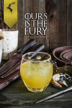 This House Baratheon drink. 17 Game Of Thrones Cocktails Every Fan Must Try -- water honey gin lemon juice orange juice Game Of Thrones Drink, Game Of Thrones Cocktails, Game Of Thrones Party, Cocktail Shaker, Cocktail Drinks, Alcoholic Drinks, Beverages, Booze Drink, Drinks Alcohol