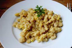 Gudrun's daily kitchen - ein österreichischer Foodblog: Eiernockerl mit grünem Salat Pineapple Bread, Gudrun, Homemade Food, Gnocchi, Bread Recipes, Risotto, Cauliflower, Food And Drink, Vegetables