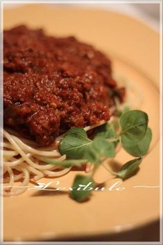 les milles & un délices de ~lexibule~: ~Sauce à spaghetti Italien de Franden~ Turkey Lettuce Wraps, Turkey Wraps, Italian Spaghetti Sauce, White Bean Kale Soup, Weight Watchers Soup, Queso Cheese, Grilled Cheese Recipes, Wild Rice Soup, Sweet Potato Soup