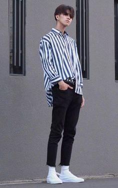 Men Casual Styles 616993217674827195 - Minimal, stripe shirt, black denim fit Japanese esque style, high fash Source by jaismot Korean Fashion Men, Fashion Mode, Trendy Fashion, Fashion Trends, Japanese Fashion Men, Fashion Black, Vintage Fashion Men, Street Fashion, Fashion Ideas