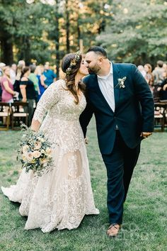 Plus Size Wedding Dresses With Sleeves, Pretty Wedding Dresses, Plus Size Wedding Gowns, Wedding Dress Trends, Wedding Attire, Bridal Dresses, Size 20 Wedding Dress, Wedding Ideas, Plus Size Brides