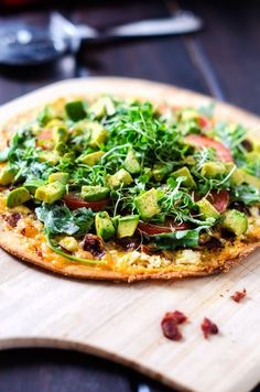California Club Pizza - I made this amazing and fairly healthy pizza with a gluten free pizza crust, but you could easily use any crust. Simply Amazing!