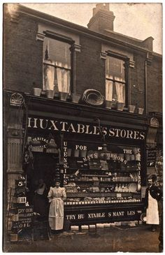 Philip Mernick's East London Shopfronts (Spitalfields Life) Victorian Street, Victorian Life, Victorian London, Vintage London, Old London, East London, London Pubs, Old Pictures, Old Photos