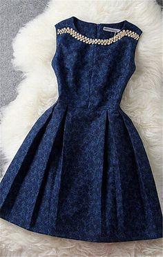 Hoje estou postando mais uma vez sobre vestidos, para quem mora em uma cidade com um clima quente como o meu caso eles são essenciais.
