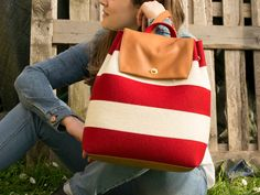 30% OFF Felt and leather BACKPACK, white and red, wool felt, handmade, felt tote bag, made in Italy