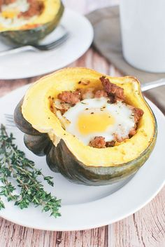 Breakfast Stuffed Acorn Squash - a healthy and filling breakfast! Great way to get veggies in first thing in the morning!