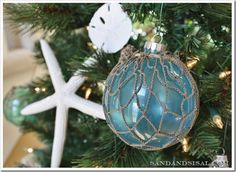 beach themed christmas tree   visit sallyleebythesea com