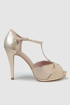 Sexy Heels, High Heels Stilettos, Bride Shoes, Wedding Shoes, Types Of Sandals, Vintage High Heels, Party Shoes, Beautiful Shoes, Casual
