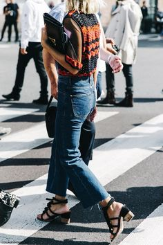 How to wear block heel sandal.