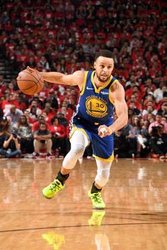 Golden State Warriors Pictures and Photos - Getty Images Stephen Curry Basketball, Nba Stephen Curry, Nba Basketball, Stephen Curry Shooting Form, Baron Davis, Mike Bibby, Josh Smith, Golden State Warriors Pictures, Figurative Language