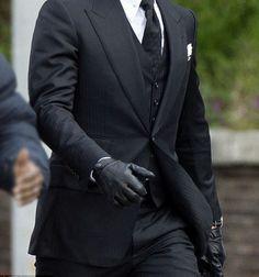 James_Bond_Spectre_Black_Leather_Gloves__007_Celebsclothing
