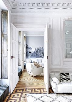 Until recently this Parisian apartment which is located in the 1830 house was owned by the descendants of famous poet Paul Valery. But now the apartment ✌Pufikhomes - source of home inspiration French Apartment, Apartment Design, Paris Apartment Interiors, Apartment Entryway, Entryway Decor, Parisian Decor, Parisian Style, Modernisme, Vogue Living