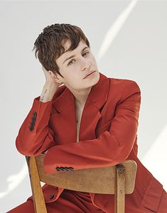 Christine and the Queens Christine And The Queens, Androgynous Fashion, Androgyny, Queen Photos, Queen Hair, Portraits, Female Singers, Costume, Role Models