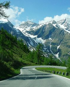 Grossglockner Hochalpenstrasse: An amazing road perfect for an Austrian road trip. #feelaustria