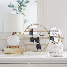 0 , Home , Ruth Na , Marble Beauty Desktop Mirror Marmor Beauty Desktop Spiegel Source by . Jewellery Storage, Jewellery Display, Jewelry Organization, Dresser Top Organization, Dresser Top Decor, Necklace Storage, My New Room, My Room, Pottery Barn Teen