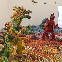 """L'artiste japonais Hiroshi Fuji, qui expose actuellement son installation """"Happy Paradies"""" au 21st Century Museum of Contemporary Art à Kanazawa au Japon,"""