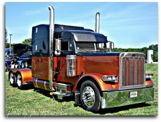 Peterbilt by Jack Byrnes Hill Show Trucks, Mack Trucks, Peterbilt Trucks, Big Rig Trucks, Peterbilt 389, Custom Big Rigs, Custom Trucks, Train Truck, Buses