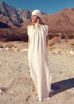 a place in the sun: kendra spears and marloes horst by nicole bentley for vogue australia february 2012 Vogue Australia, White Outfits, Boho Outfits, Boho Wedding Dress, Boho Dress, Casual Wedding, Wedding Dresses, Diana, Desert Fashion