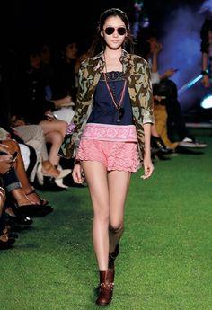 Romantic Camouflage - Blugirl Spring Summer 2015 Fashion Show #mfw