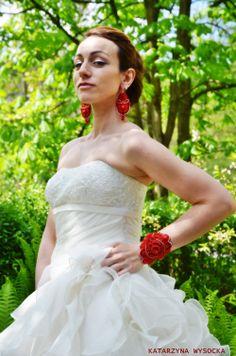 soutache earrings and bracelet 'Byzantikon' by MagiaSoutache on DeviantArt Soutache Earrings, One Shoulder Wedding Dress, Deviantart, Bridal, Wedding Dresses, Bracelets, Fashion, Bride Dresses, Moda