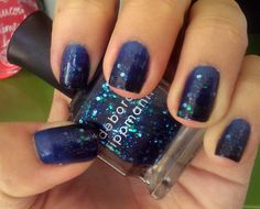 It's because I think too much: Glittery Gradient Nails