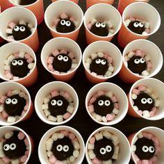 Traktatie! :-) marsmellows en zoenen (met oogjes)