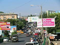 Street scene in Osh.
